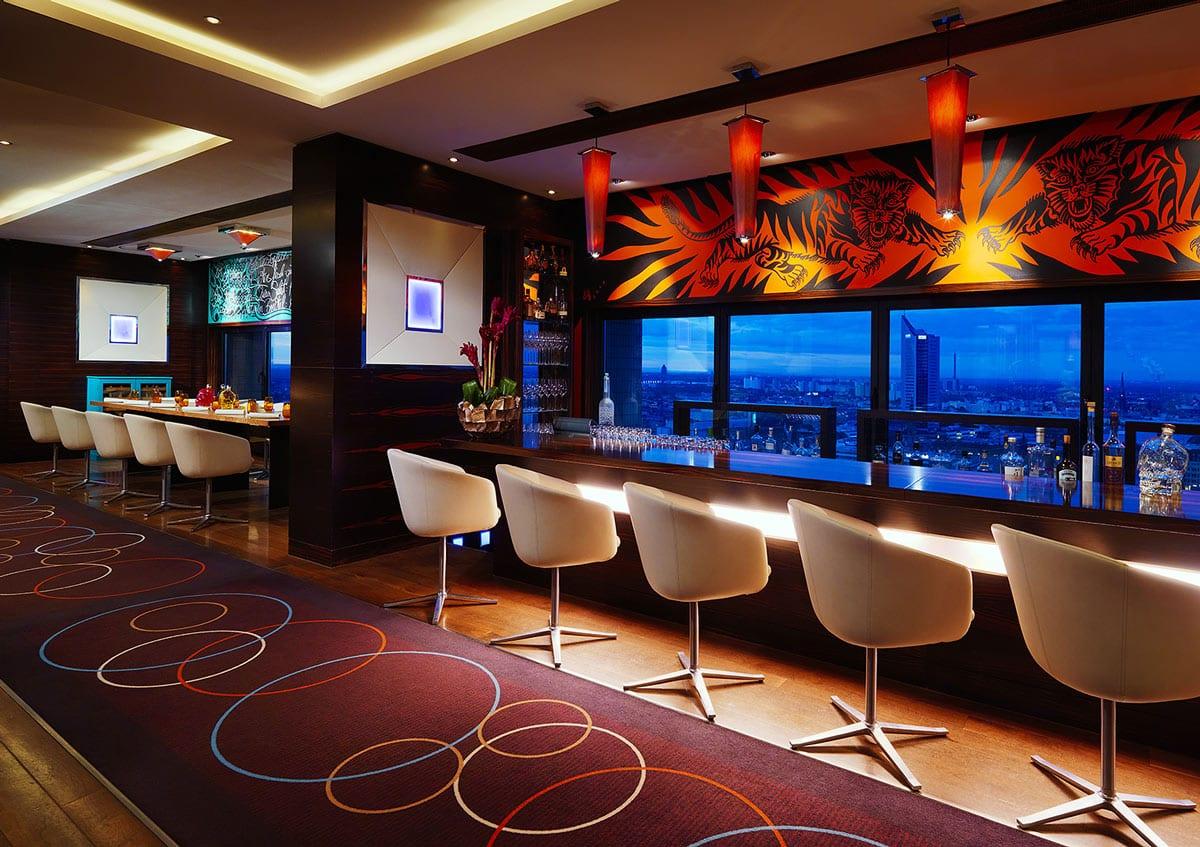 Falco Bar & Restaurant in Leipzig: Cocktails im 27. Stockwerk